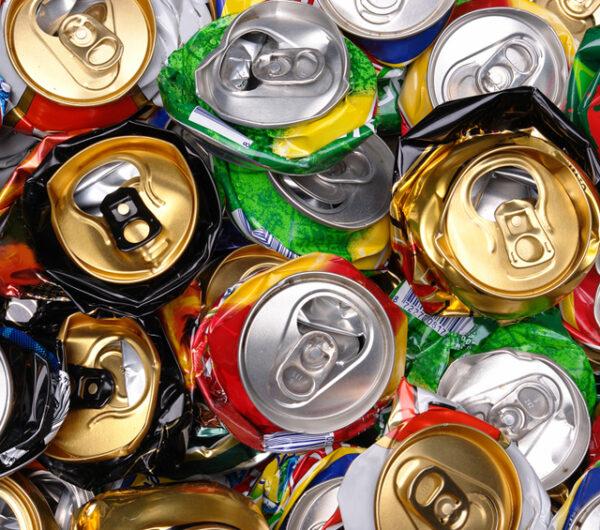 مشروع إعادة تدوير علب المشروبات