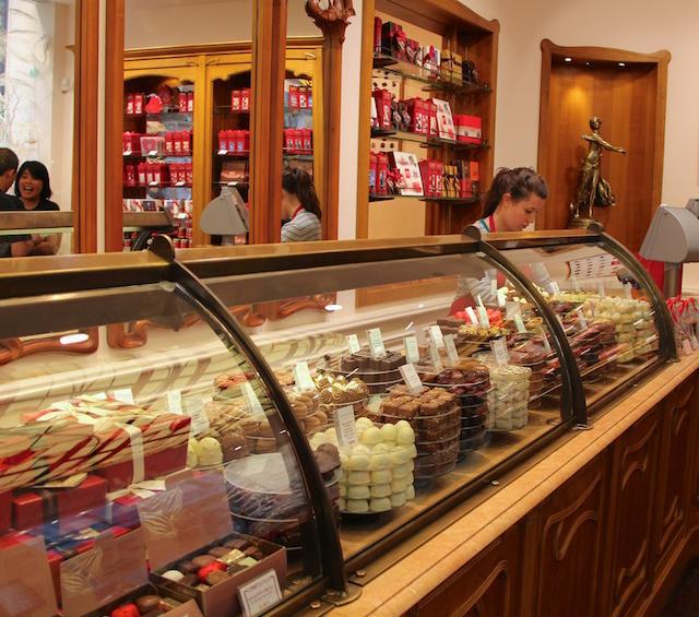 جدوى محل بيع حلويات - دراسة جدوى محل بيع حلويات باستثمار 150,000 دولار