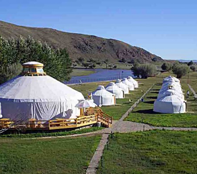 سياحي 1 - مشروع مخيم سياحي باستثمار 3 مليون دولار