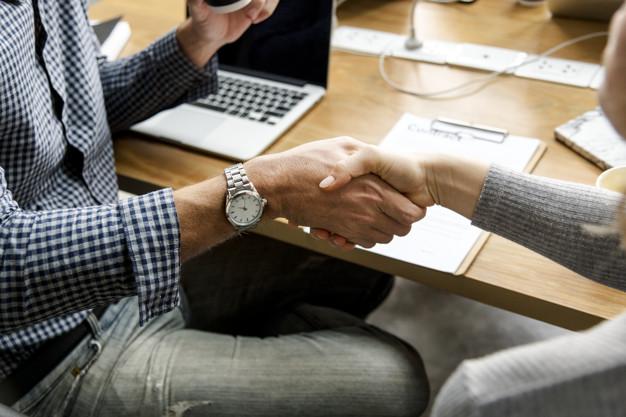 "business people shaking hands in agreement 53876 20863 - تعرف على أفضل مكتب دراسة جدوى في السعودية ومختصر"" TELOS"""