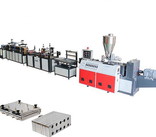 خط إنتاج مصنع أنابيب pvc