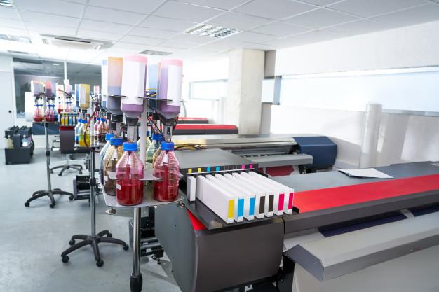 مصنع لإنتاج أحبار الطباعة ومستلزماتها