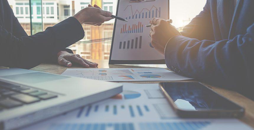 لماذا يُعتبر أفضل مكتب استشارات اقتصادية في الشارقة وجهة العملاء الأولى؟